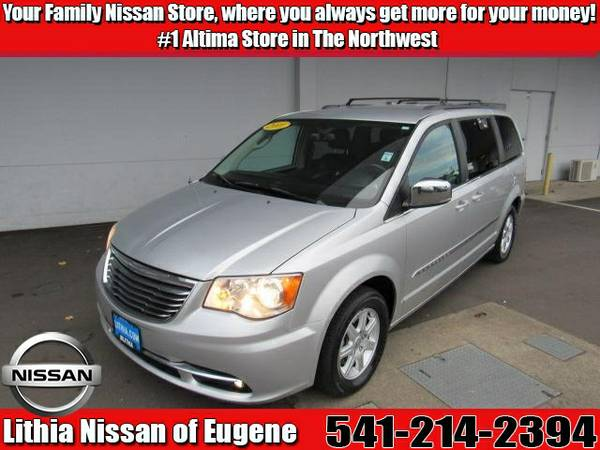 2011 CHRYSLER TOWN & COUNTRY (2A4RR8DG0BR772357)