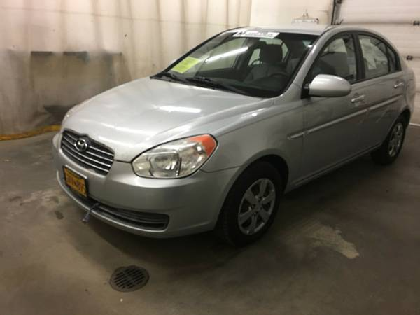 2009 Hyundai Accent Platinum Silver Great Deal!