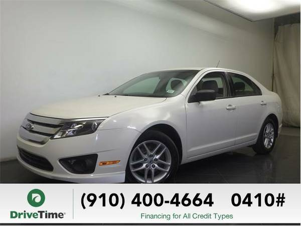 2012 Ford Fusion S (WHITE) - Beautiful & Clean Title