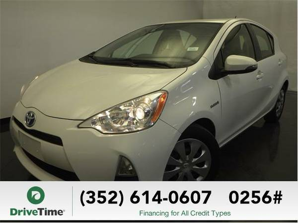 2013 Toyota Prius c One (WHITE) - Beautiful & Clean Title