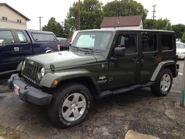 07 Jeep Wrangle Unlimited/Sahara-Low Miles!