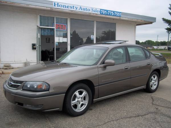 Chevrolet 2003 Impala LS, leather, moonroof, heated seats, very clean.