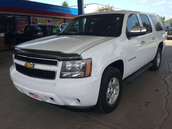 2010 Chevrolet Suburban ( Seats 9 ) $309mo OAC