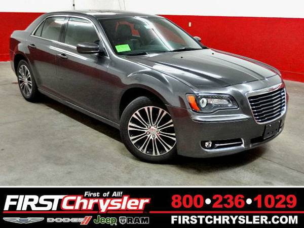 2013 *Chrysler 300* S-AWD - Chrysler Granite Crystal Metallic...