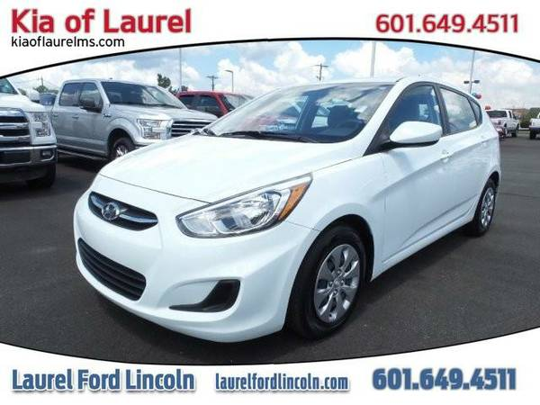 2015 *Hyundai Accent* GS (WHITE)