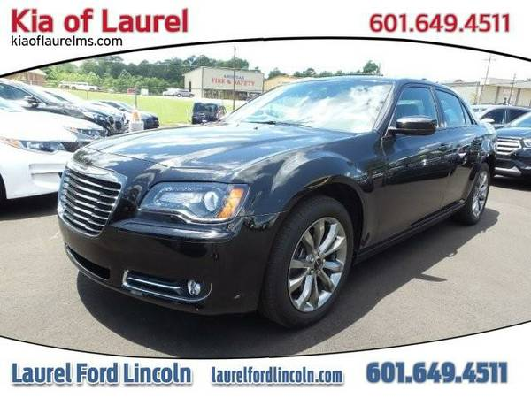 2014 *Chrysler 300* 300S (BLACK)