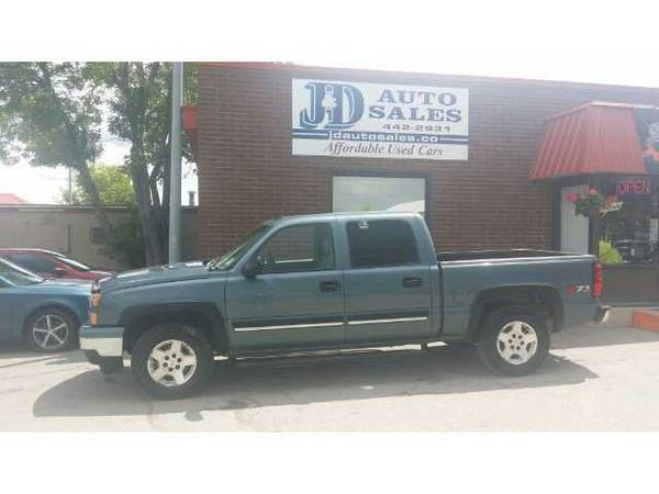 Beautiful 2006 Crew Cab 4x4