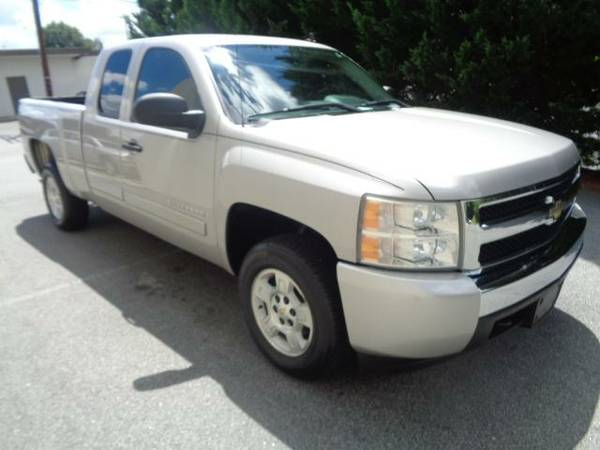 2008 Chevy Silverado EXT CAB~ WE FINANCE~WARRANTY!