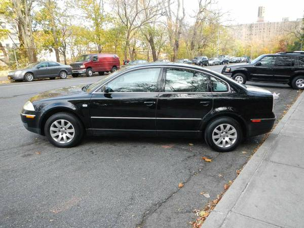 GARAGE KEPT LIKE NEW 130K MILE VW PASSAT 1.8T. 4 CYL, 4 NEW TIRES