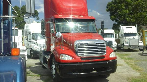 DayCab 2006 Freightliner Columbia $18.000 (OBO)
