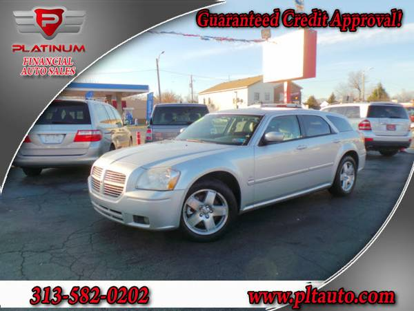 2005 DODGE MAGNUM**R/T**AWD**SUNROOF**SUPER CLEAN*EVERYONE IS APPROVED