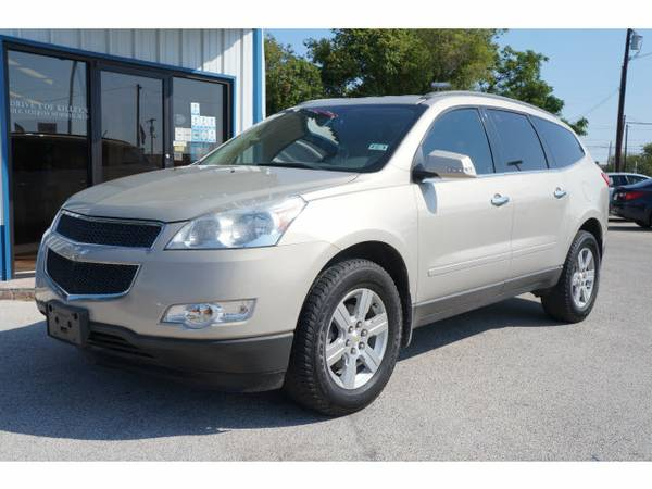 2010 Chevrolet Traverse LT- DVD, 3rd Row, Leather, Navigation