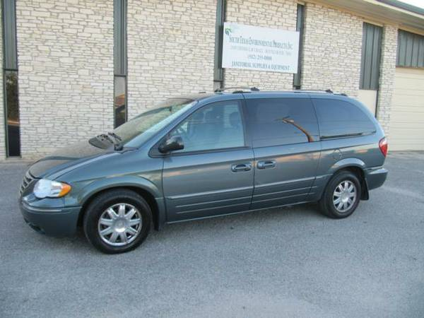 2005 Chrysler Town and County Limited 118K Miles Loaded Great Deal