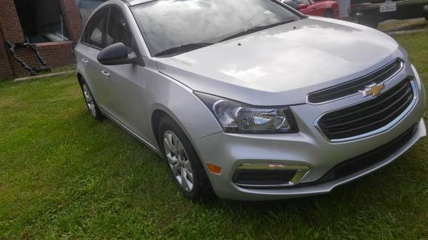 chevy cruze like new only 7100 miles