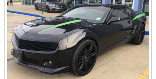 2011 CHEVROLET CAMARO LS-LOW MILES