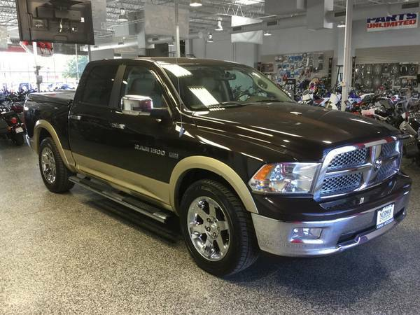 2011 DODGE CREWCAB LARAMIE 5.7 V8 HEMI! NAVIGATION! LEATHER! LOW MILES