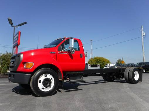 2004 Ford F650 Cab & Chassis Cummins Diesel