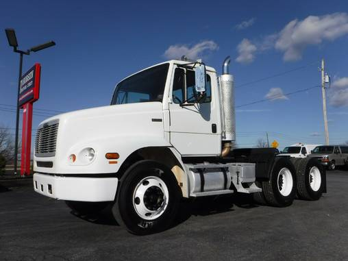 2004 Freightliner FL112 Day Cab Tractor