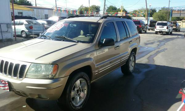 2001 JEEP GRAND CHEROKEE (1111 S.ZAPATA HWY)$3495