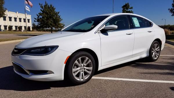 2015 CHRYSLER 200 LIMITED ONE OWNER KEYLESS ENTRY REMOTE START!!