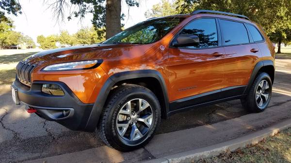 2016 JEEP CHEROKEE TRAILHAWK EDITION 4WD LEATHER KEYLESS ENTRY !!!!!!!