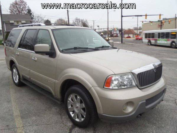 2004 Lincoln Navigator Luxury 4WD 4dr SUV with