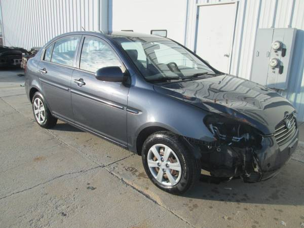2009 Hyundai Accent, Minor Body Damage