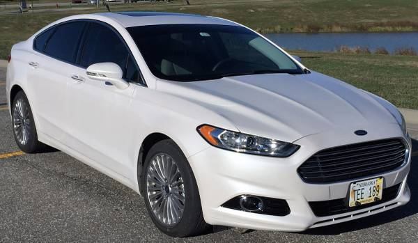 2016 Ford Fusion Top of Line Titanium with Sunroof/Nav/Cooled Seats