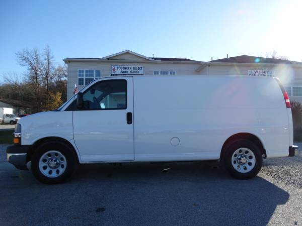 **AWD 2010 Chevrolet Express Cargo Van**1 OWNER-AWD-Cameras-MUST SEE