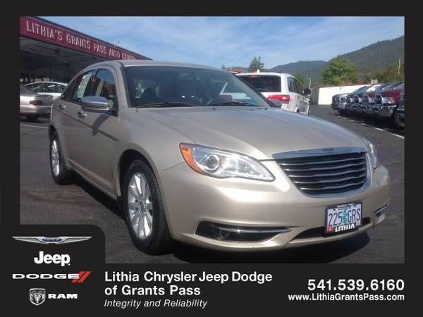 2013 Chrysler 200 LIMITED (You Save $1,029 Below KBB Retail)