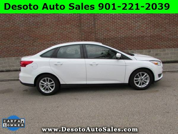 2015 Ford Focus SE - Only 16K miles, 1 Owner, Clean Carfax, Factory bu