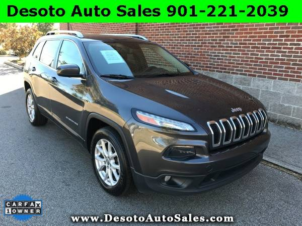 2015 Jeep Cherokee Latitude V6 - Only 49K miles, 1 Owner, Clean Carfax