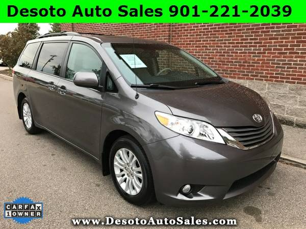 2014 Toyota Sienna XLE with Sunroof - Only 31K miles, 1 Owner, Clean C