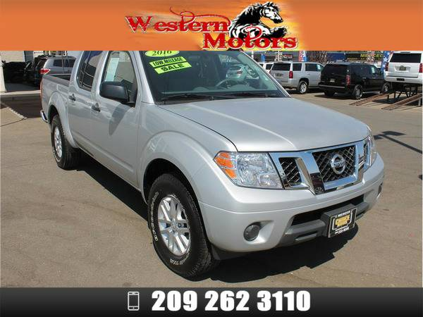 *2016* *Nissan Frontier Crew Cab* *SV Pickup 4D 5 ft* Silver