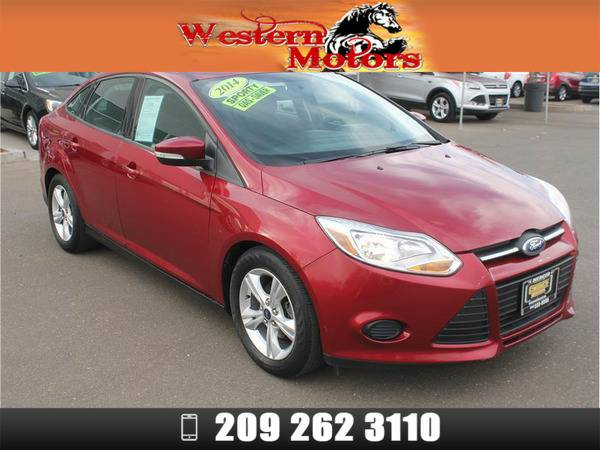 *2014* *Ford Focus* *SE Sedan 4D* Red