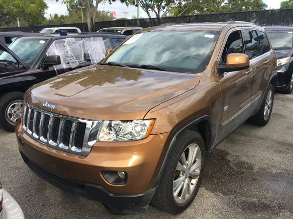 2011 JEEP CHEROKEE 70TH ANNIVERSARY - NAV $10,997 A/F GOOD MILES