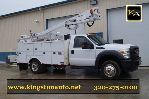 2011 Ford F550 XL - 35ft Bucket Truck - 6.8L V10 Gas