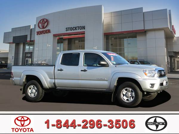 2013 Toyota Tacoma Double Cab Prerunner Truck LONG BED!. SR5 Package