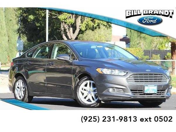 2016 *Ford Fusion* SE 4D Sedan (Gray)