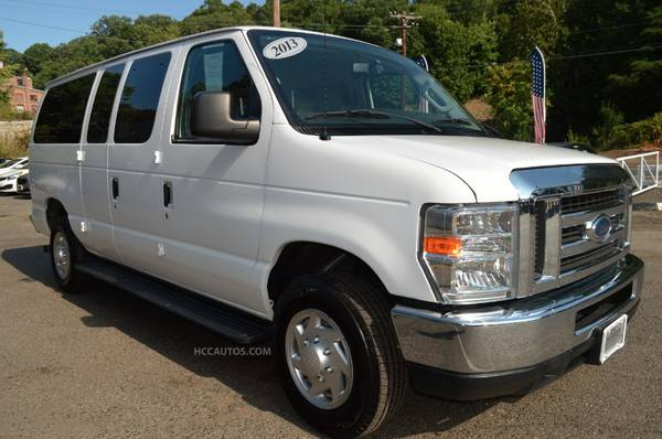 2013 Ford Econoline Wagon E-350* BACK UP CAM* RUNNING BOARDS*NEW TIRES