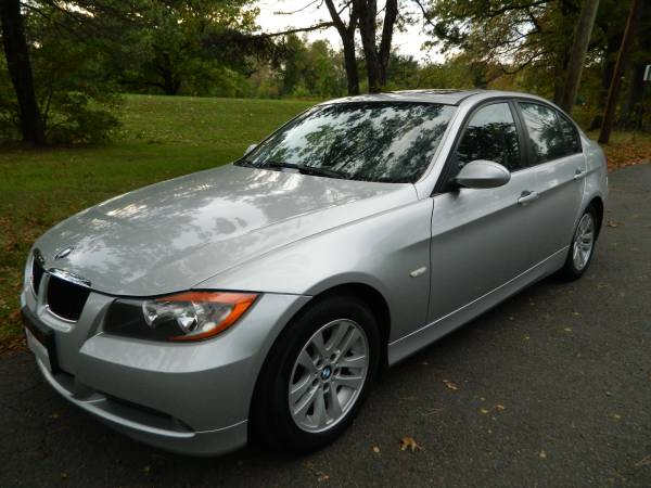2006 BMW 325I, Mint condiiton. Very clean inside and out