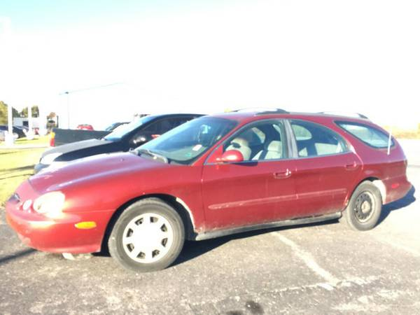 1998 FORD TAURUS SE-THIS IS A STEAL OF A DEAL!