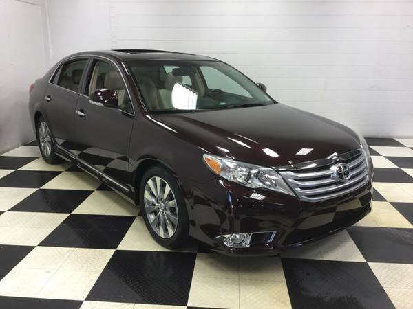 2011 TOYOTA AVALON! 42K MILES LEATHER LOADED SUNROOF AND NAVIGATION!