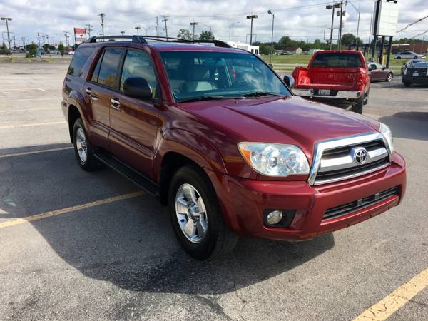 2007 TOYOTA 4RUNNER SR5**GARAGE KEPT,LOW MILES, SUNROOF,MUST SEE!!