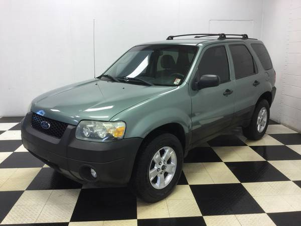 2007 FORD ESCAPE XLT EXTREMELY PERFECT SUV WITH ONLY 70K MILES!