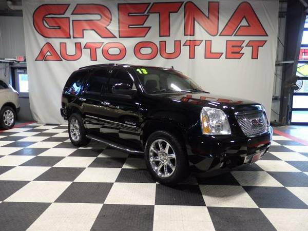 2013 GMC Yukon Denali 4WD HEATED-COOLED SEATS NAV ROOF REAR DVD 77K