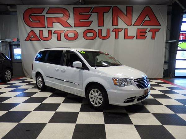 2016 Chrysler Town & Country TOURING EDITION NAVIGATION DVD HEATED LEA