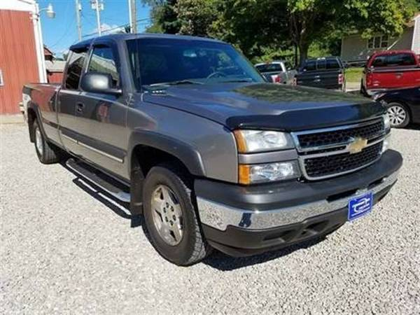 2006 Chevrolet Silverado 1500 Extended Cab LS Pickup 4D 8 ft