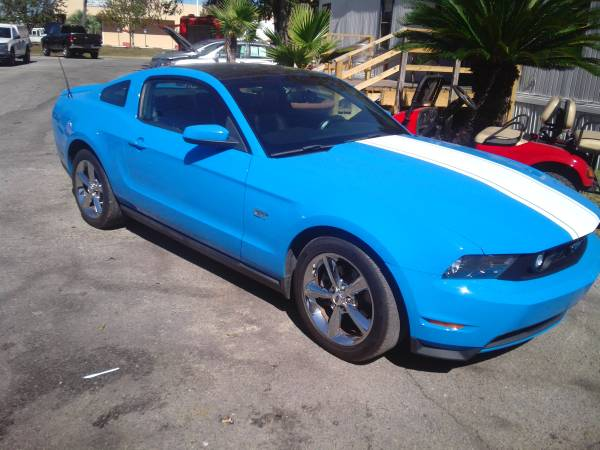 2010 Ford Mustang GT special factory color and glass roof!*EZfinancing