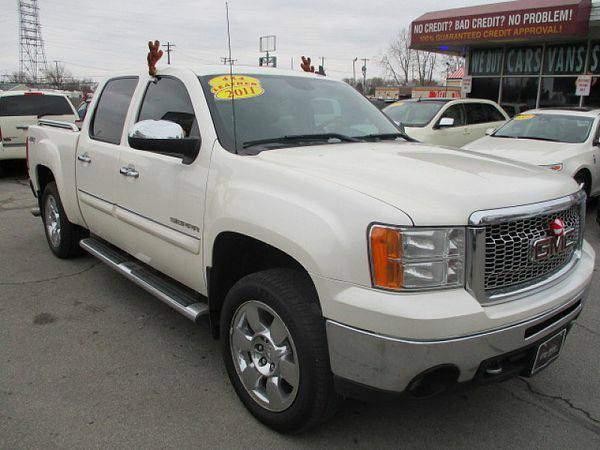 2011 *GMC* *Sierra* *1500* *4WD* Crew Cab SLT *$499 Down Drives Today!
